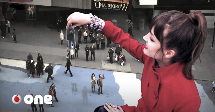 Tecnologia Tecnologia El artista español que conquistó Times Square con su magia tecnológica