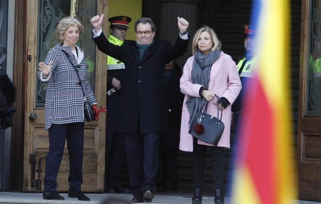 """Actualidad Actualidad Catalá ve """"absolutamente impropio de una democracia"""" el """"numerito"""" de Mas antes del juicio por el 9-N"""
