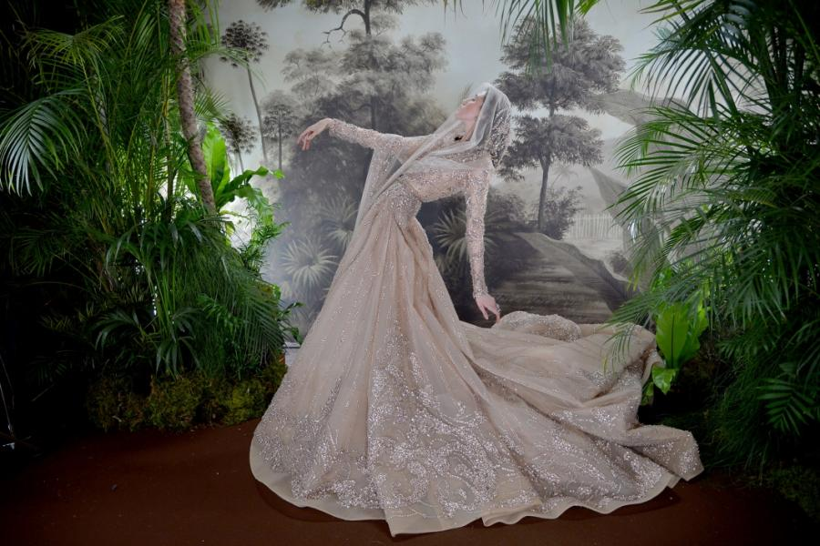 Moda Moda Elie Saab, magia puntada a puntada