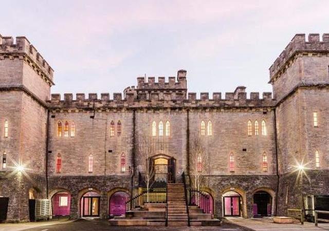 Actualidad Actualidad Un castillo inglés convertido en una oficina de última generación