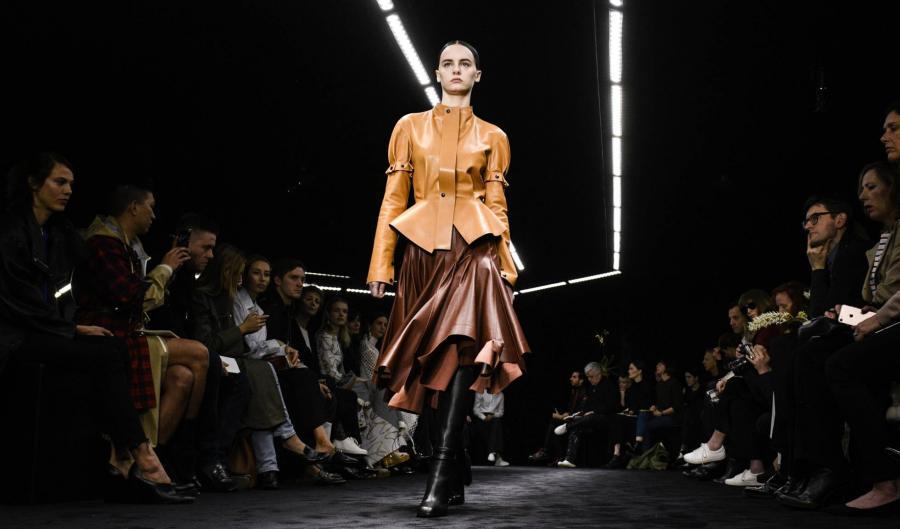 Moda Moda Loewe, sobresaliente en teoría y práctica