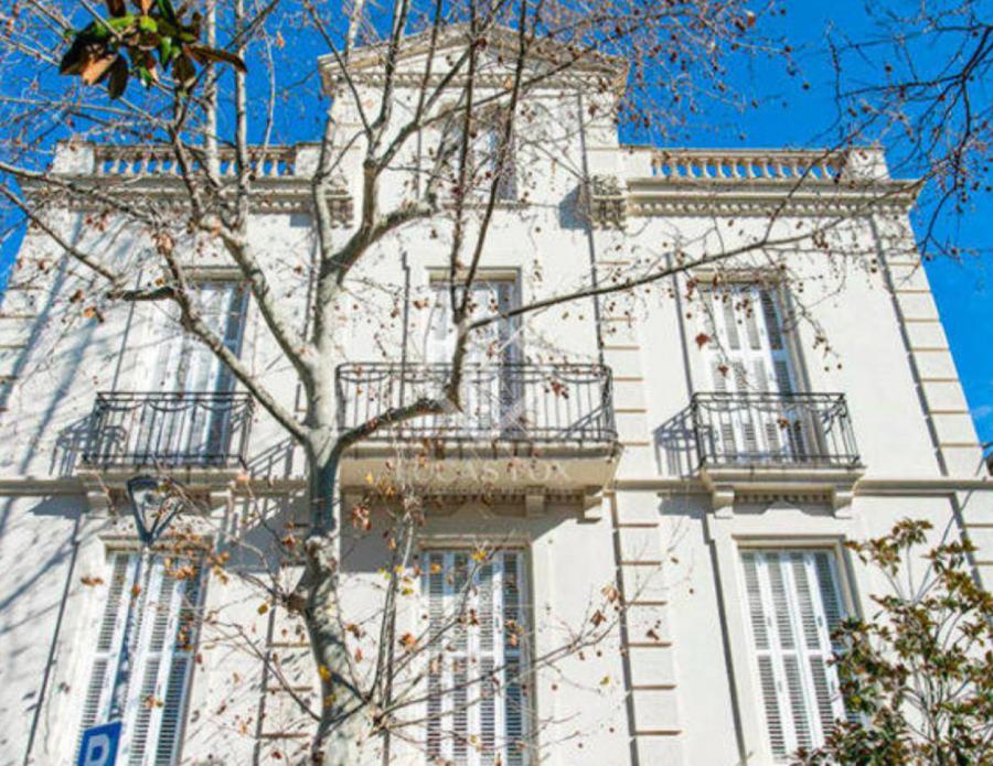 Actualidad Actualidad ¿Quién vivía ahí? La casa de Johan Cruyff en Barcelona se vende por 5,3 millones de euros