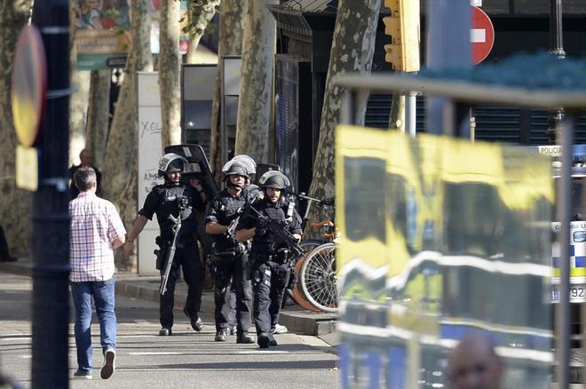 """Actualidad Actualidad Atentado en Barcelona: Casa Real: """"Son unos asesinos. Toda España es Barcelona"""""""