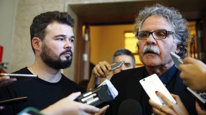Actualidad Actualidad Tardà y Rufián se tragan el orgullo al ver peligrar sus nóminas de 8.000 euros