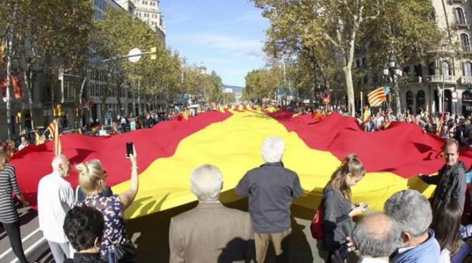 Actualidad Actualidad El estallido de la mayoría silenciosa pone de los nervios a los independentistas