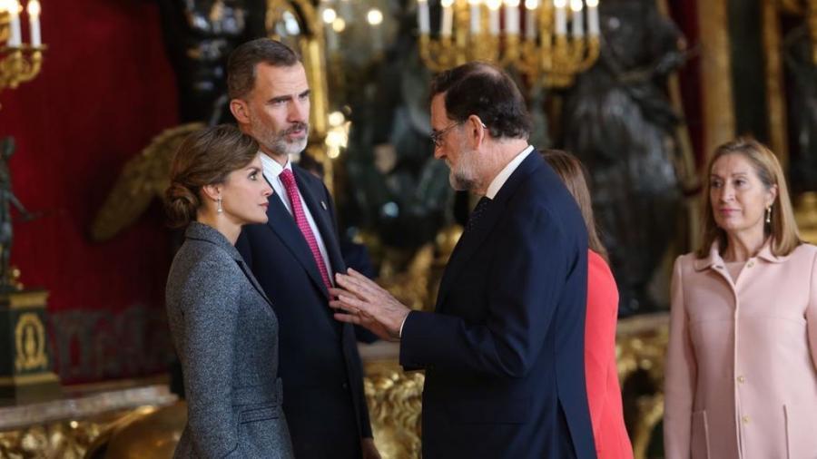 """España España Zarzuela vuelve a la normalidad con la mirada en Cataluña: """"Esto va a ser duro y va para largo"""""""