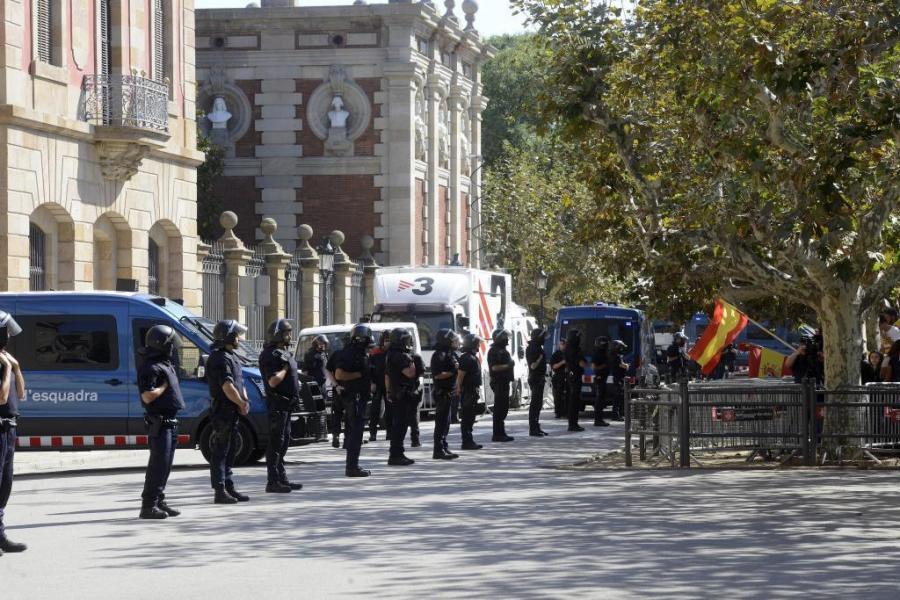 """Actualidad Actualidad Independencia de Cataluña: Adeslas suprime el seguro del Parlament por el """"gravísimo riesgo"""" de los acontecimientos catalanes"""