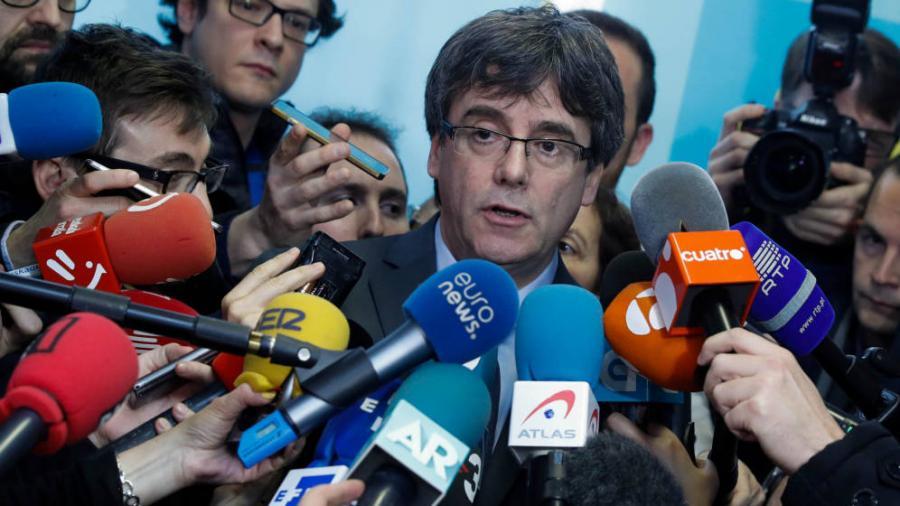 Actualidad Actualidad Investidura de Puigdemont: ERC y PDeCAT asumen que Puigdemont solo podrá ser presidente si se entrega.