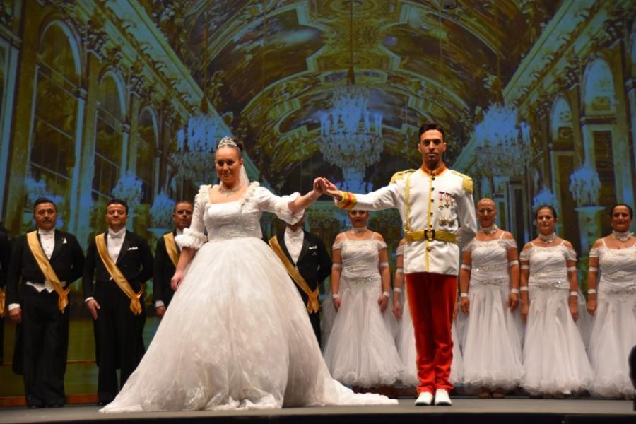 Baile Baile El Baile del Emperador y el Campeonato de Artístico llenaron de glamour el Palacio de la Paz de Fuengirola