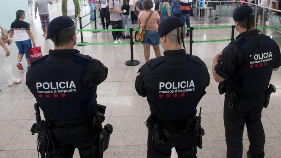 """Actualidad Actualidad La Policía descubre que los Mossos """"espiaban ilegalmente"""" a políticos constitucionalistas"""