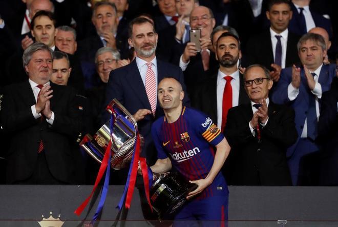 Deportes Deportes La Copa de época de Andrés Iniesta