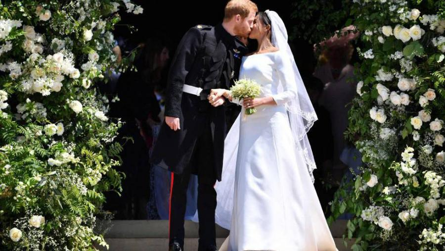 Actualidad Actualidad Enrique y Meghan modernizan la monarquía con una boda rompedora