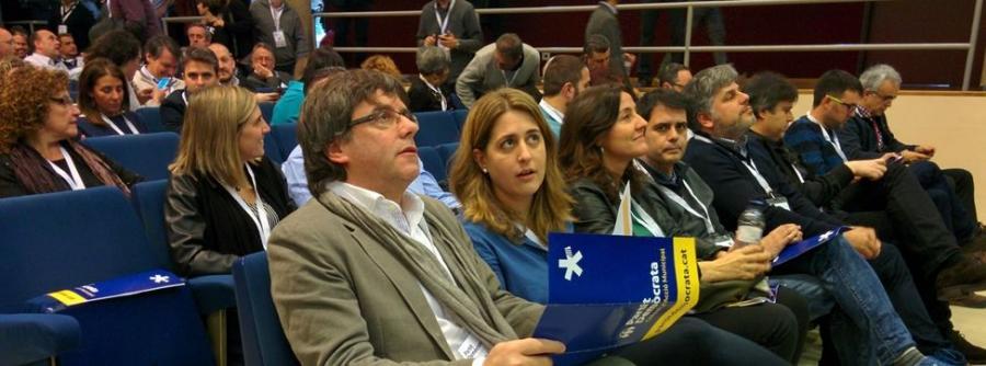 Actualidad Actualidad El PDeCAT aparca la unilateralidad y ofrece a Puigdemont la presidencia para aplacar la batalla interna