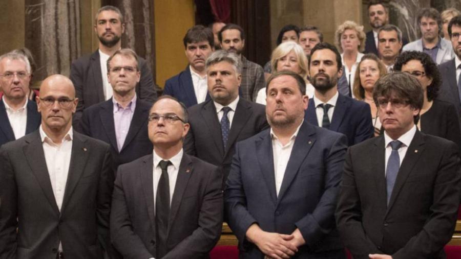 Actualidad Actualidad Llarena cierra el sumario del 'procés' y suspende como diputados a Puigdemont y Junqueras