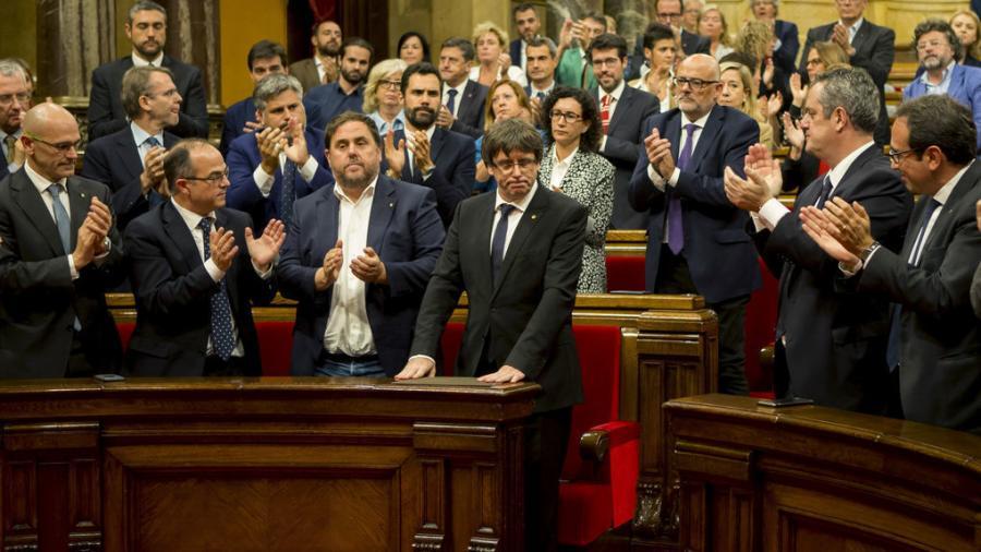 Actualidad Actualidad El pleno de la ignominia: Así arrancó el golpe de Estado en Cataluña