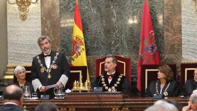 Actualidad Actualidad El Rey conversa en privado con el juez Llarena en la apertura del Año Judicial