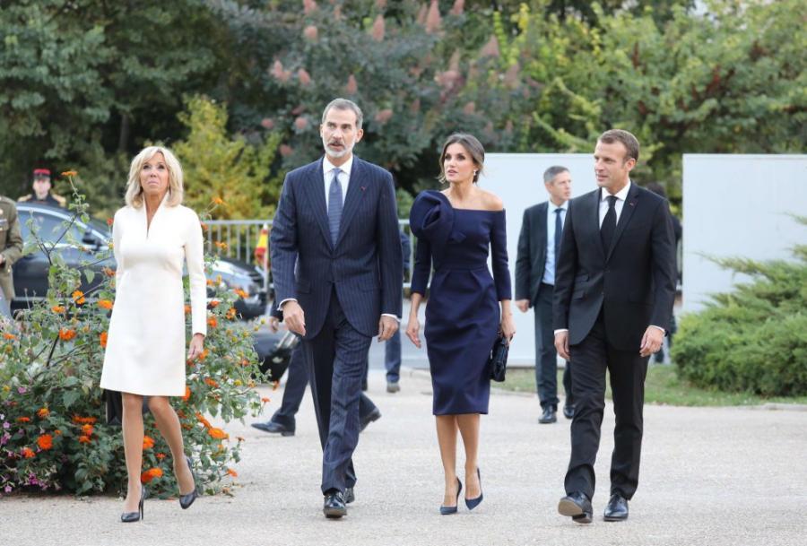Actualidad Actualidad Los Reyes visitan a Macron y a su esposa en París